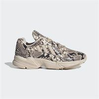 adidas scarpe yung-1