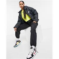 Nike - cappotto imbottito nero con logo Nike sul retro
