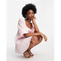 Forever New - vestito grembiule corto oversize con maniche arricciate e stampa a quadretti, colore rosa confetto-multicolore